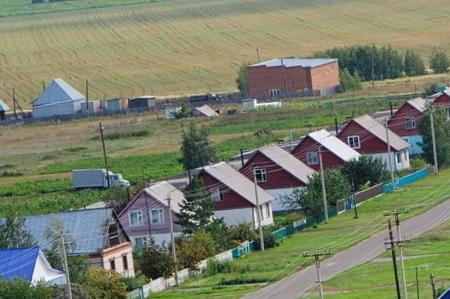 Чем отличается село от деревни фото